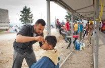 """Friseur"" im Flüchtlingslager Idomeni"