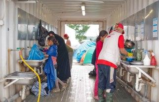 Waschplatz im Flüchtlingslager Idomeni