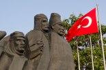 Auf dem Cumhuriyet Platz