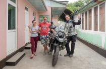 Vor der Abfahrt in Osh mit Stas und Nastia.