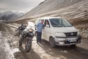 Mir und Nielofar am Ak-Baital Pass