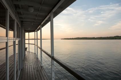 Hausboot in Kamen am Ob