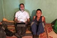 Der 11jährige Sohn der Familie in Nomrog