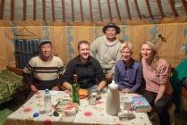 v.l. Marjolein, Diane, Ghana, ich und der Fahrer
