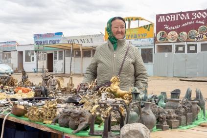 Souvenirverkäuferin in Charchorin