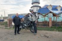Mit Herbert in Kiachta, hinter der Grenze.